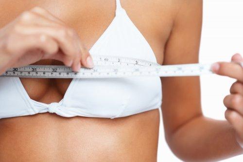 Можно ли с помощью тренировок увеличить женскую грудь?