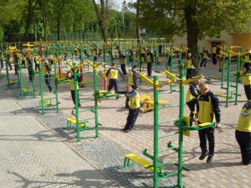 Спортивное оборудование – уличные тренажеры