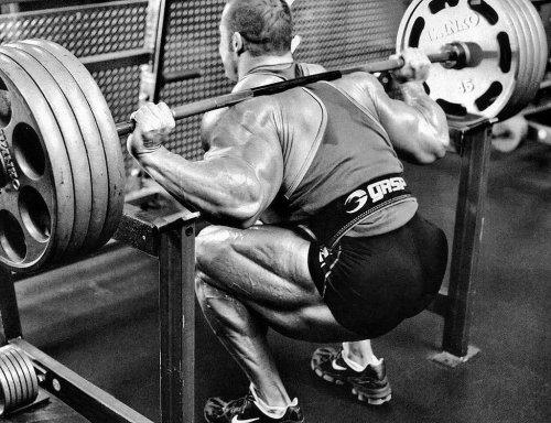 Пять способов стать сильнее и быстрее, тренируясь в приседаниях