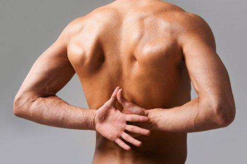 Острая боль в спине: как лечиться, чтоб не разориться