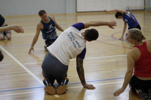 Как научиться играть в волейбол взрослому