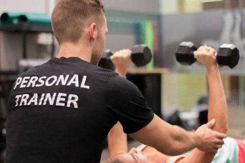 Профессия фитнес-тренера стала модной